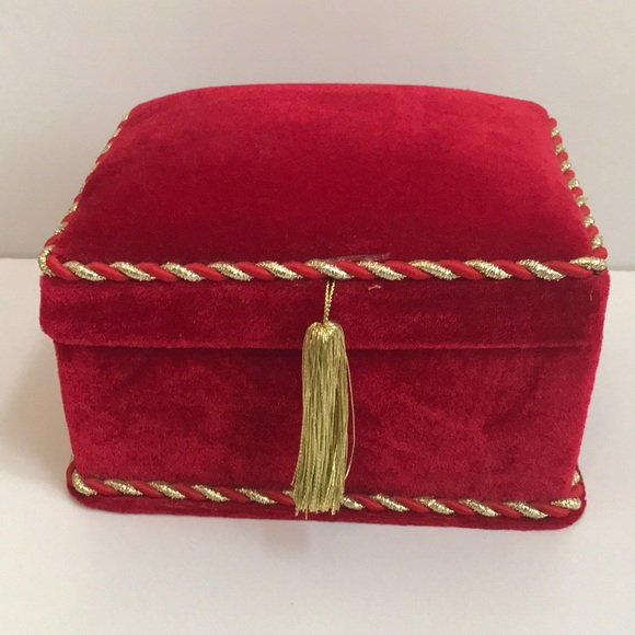 Lindy Bowman Other - Lindy Bowman Red Velvet W Gold Trim Cushioned Box